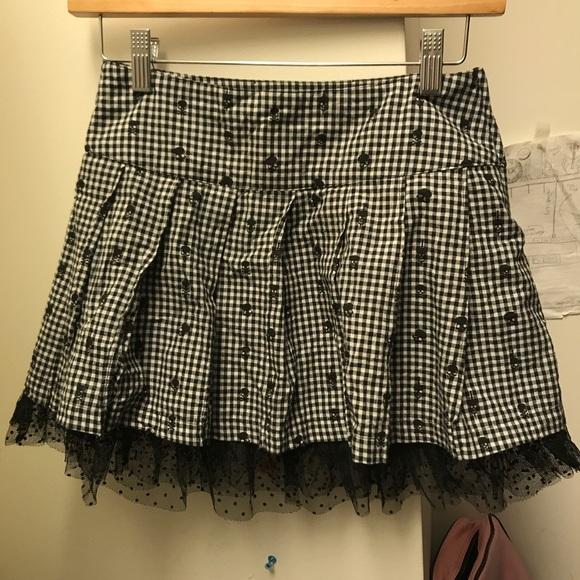 Teenage Runaway Dresses & Skirts - Hot Topic Black & White Plaid Skater Skirt w skull